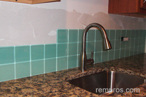 glass tile kitchen backsplash installation