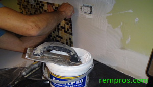how to tile backsplash step 4